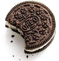 The-proper-way-to-eat-Oreo-Cookies-with-Milk
